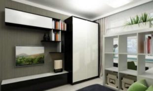 Белые шкафы-купе в оформлении интерьера