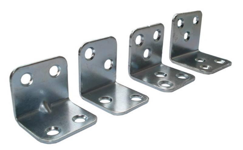 Уголками из металла можно скрепить столешницы
