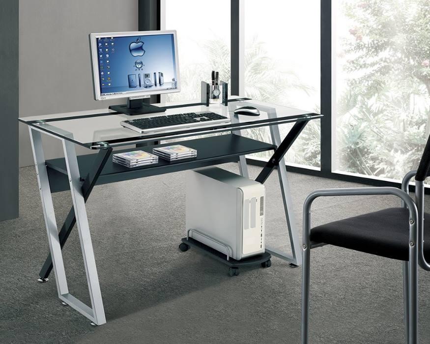 Ширина стола для компьютера не должна быт слишком мала