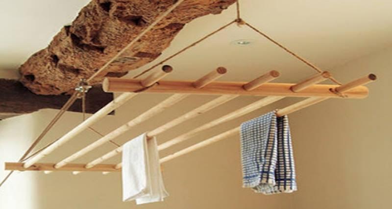 Сделайте разметку под крепления на потолочной поверхности