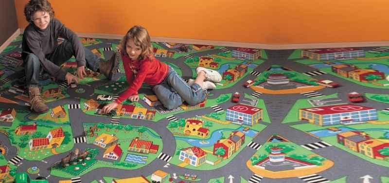 Экологичный – подойдет для использования во взрослой и детской спальне.